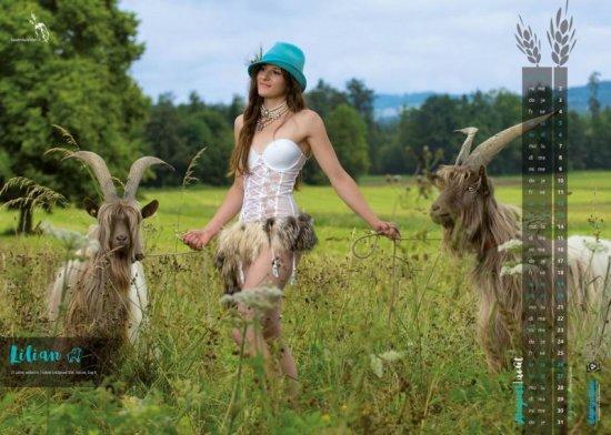 Натуральная красота швейцарских крестьянок в календаре на 2017 год